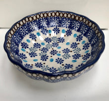 Scalloped Bowl (Groovy Blue)