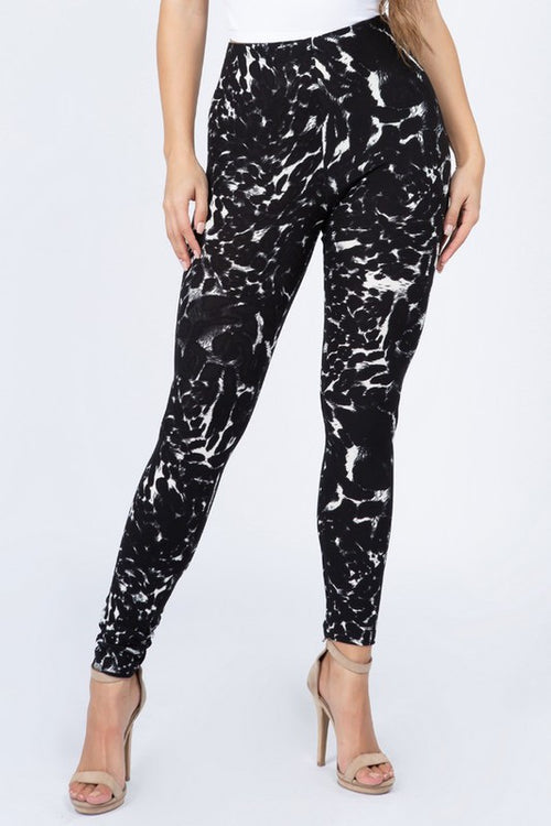 Makes It Work Elastic Waist High Rise Buttery Soft Print Leggings