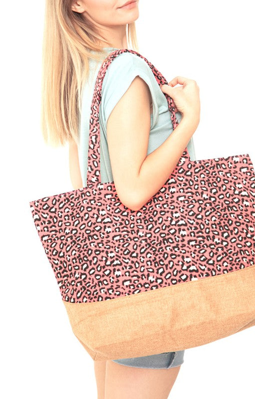 Totally Cute Lined & Zipper Closure Tote
