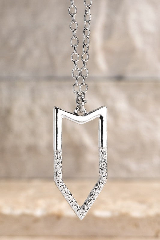 Arrow hammered Metal Charm & Metal Short Chain Necklace, Silver