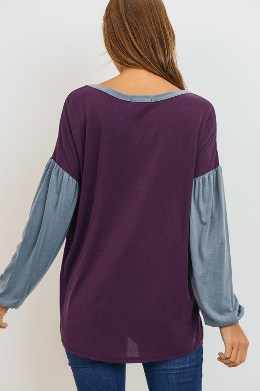 Casual Puffy Sleeve Top with Contrasting Neckline & Sleeves