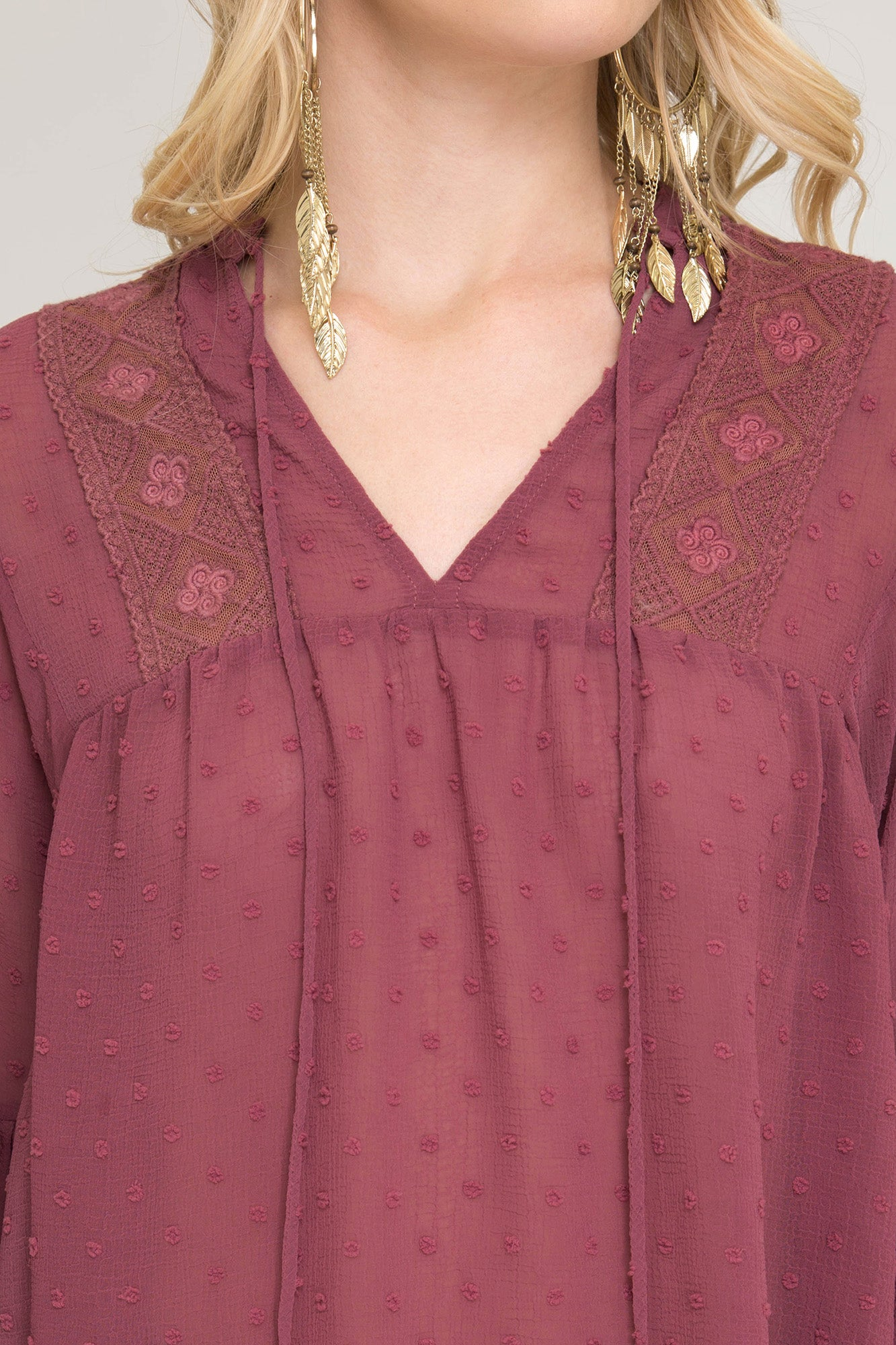 3/4 Balloon Sleeve Dot Textured Woven Top with Lace Trim