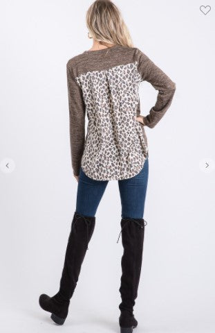 Long Sleeve V neck Solid & Animal Print Contrast Top with Pocket Detail