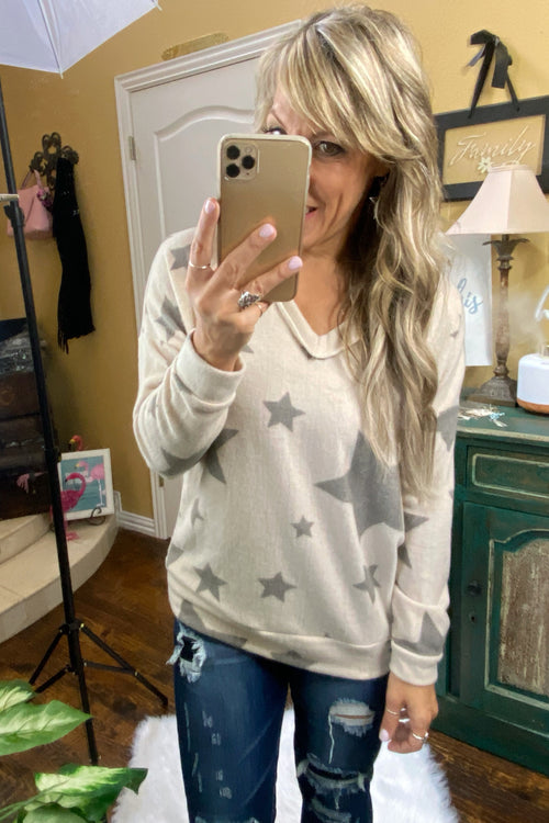 Star-Spangled Unfinished Hacci Top with V-Neckline & all over star print
