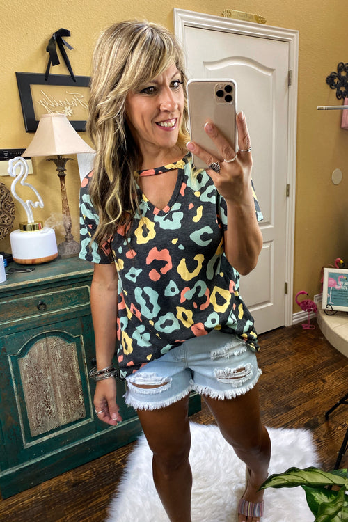 Multi Color Short Sleeve Animal Print Top With Key Hole Neck Detail, S-L