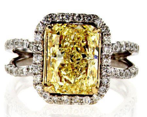 Colored Diamonds vs. White Diamonds – Which One Should You Get?