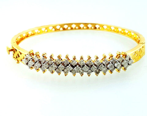 Women's Classic 18K Yellow Gold 1 TCW Natural Round Cut Diamond Cuff Bracelet