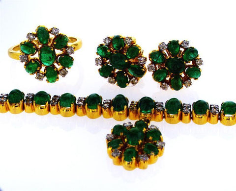18k Yellow Gold Natural Diamond and Emerald Cabochon Necklace Jewelry Set