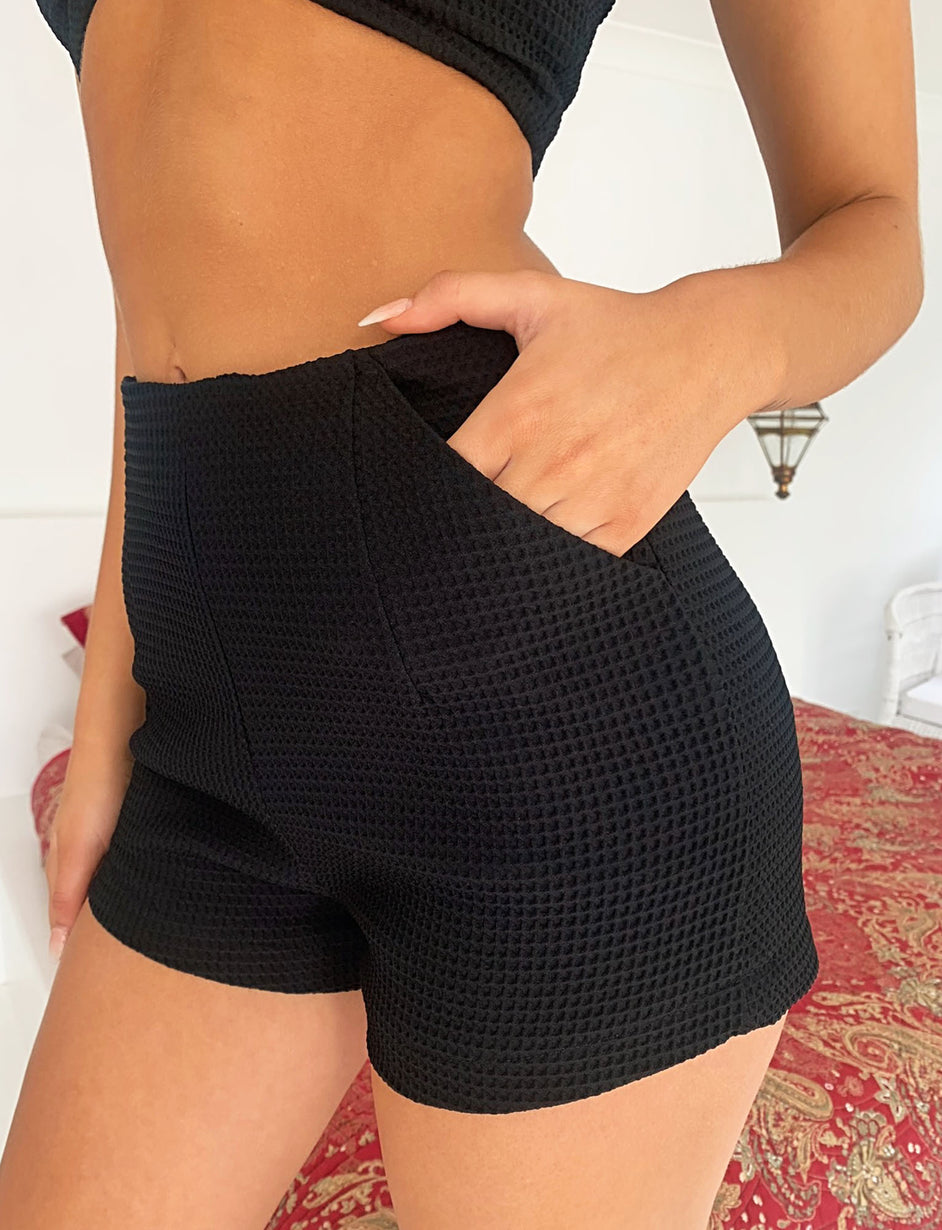 NEEMA SHORT - BLACK