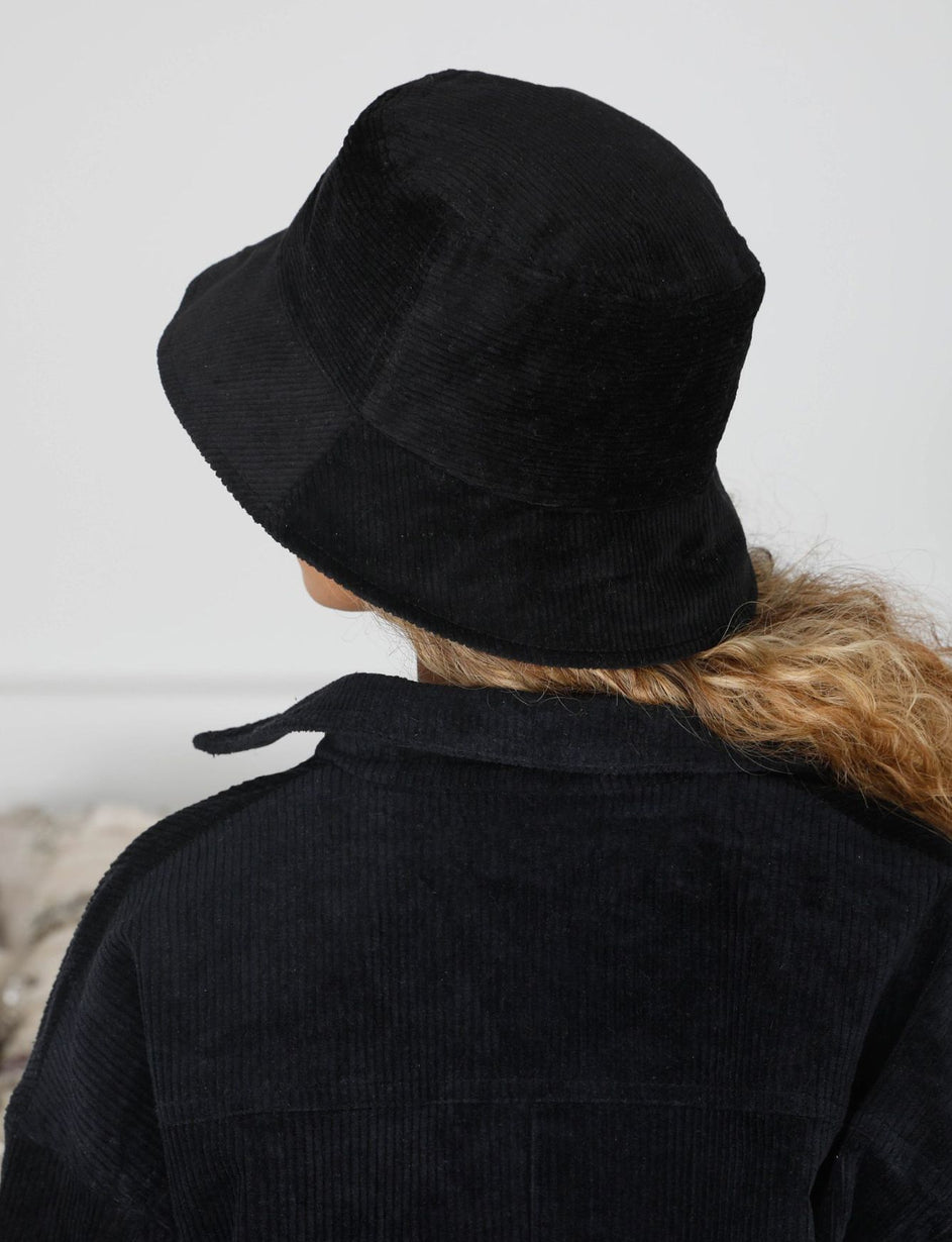 JAZMIN BUCKET HAT - BLACK