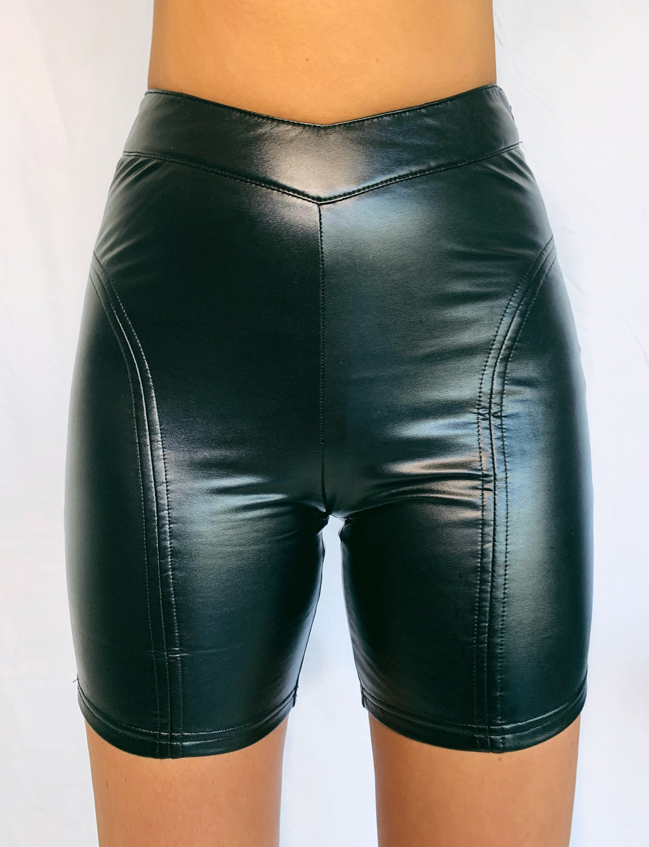 Hailee Short - Black