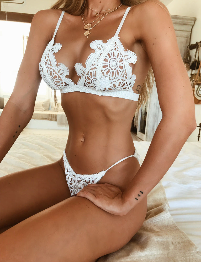 Simone Intimate - White