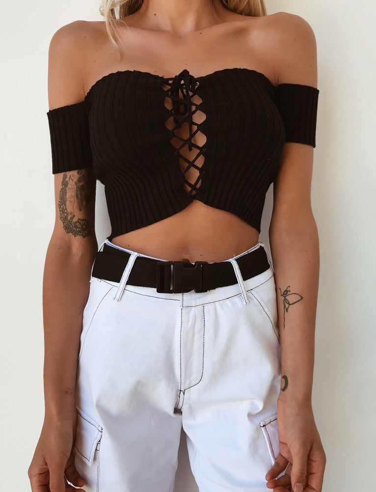 Dark Romance Crop - Black