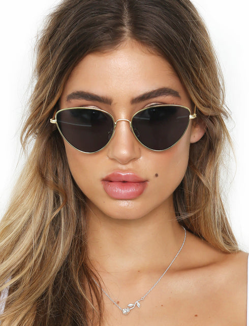 Von Trice Sunglasses - Black