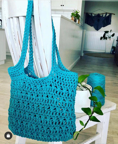 """Knots and Crosses"" Crochet Bag Pattern"