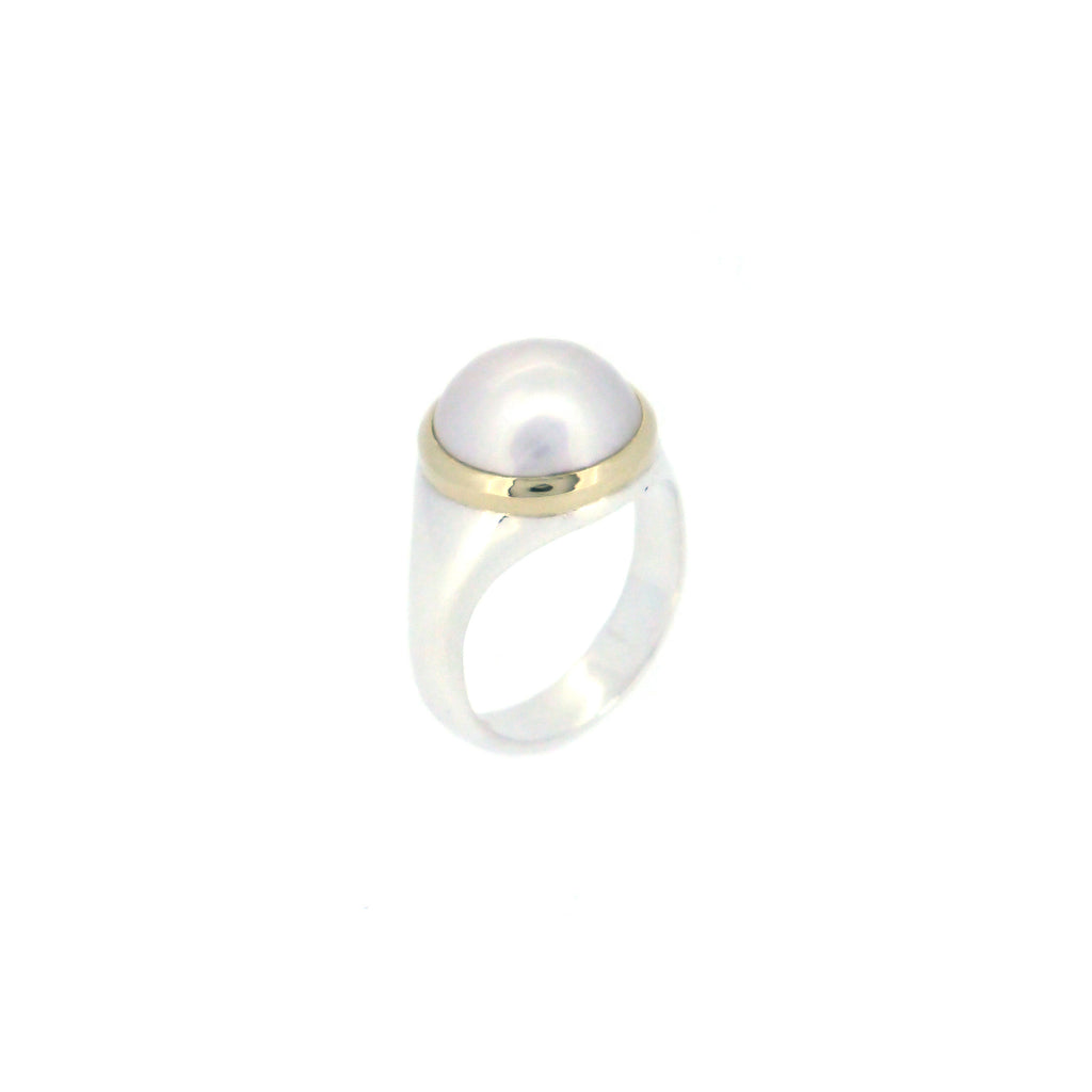 Signet Ring with Pearl