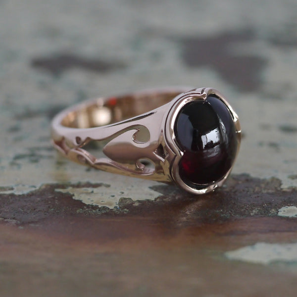 The Papilio Ring with Garnet Cabochon