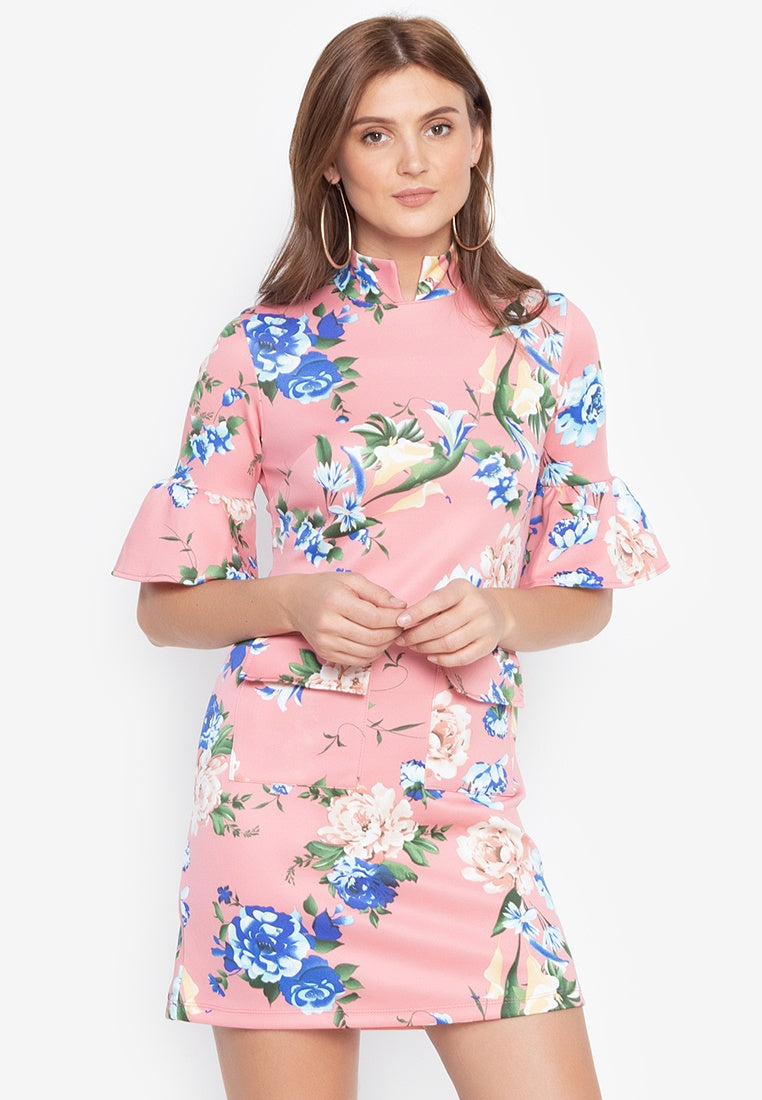 Donna Raised Collar Work Dress with Bell Sleeves