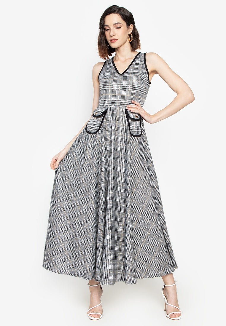 Patricia V- Neck Maxi Dress with Pockets in Plaid