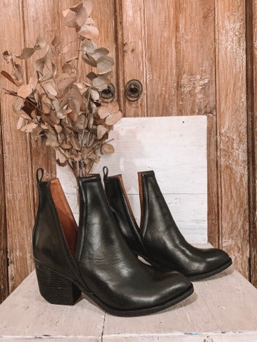 The Orwell Boot - Black
