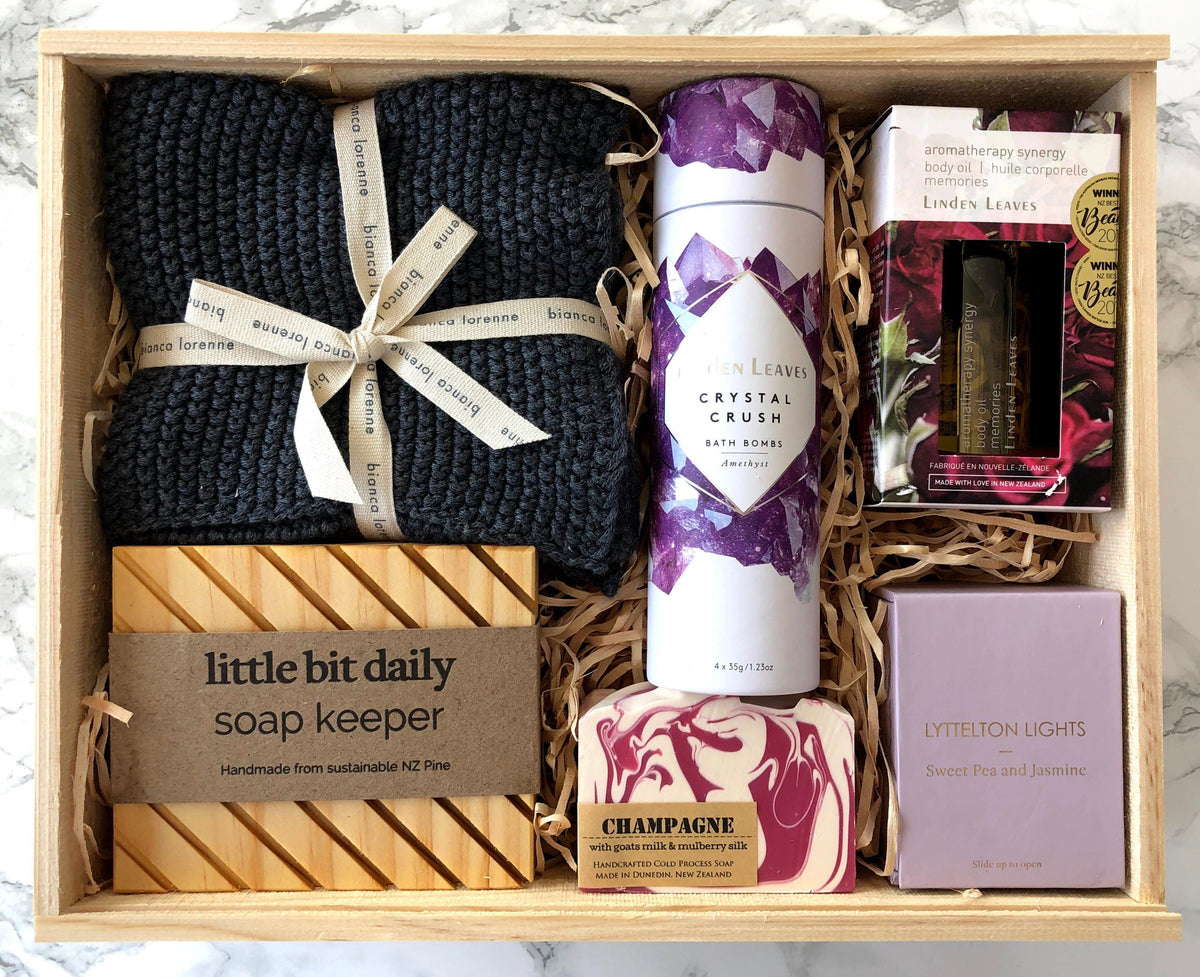 Boxsmith gift box & gift hampers present the luxury bath gift box. Or create your own unique gift with our build your own gift box service. Easy NZ wide delivery of our online NZ gifts collection