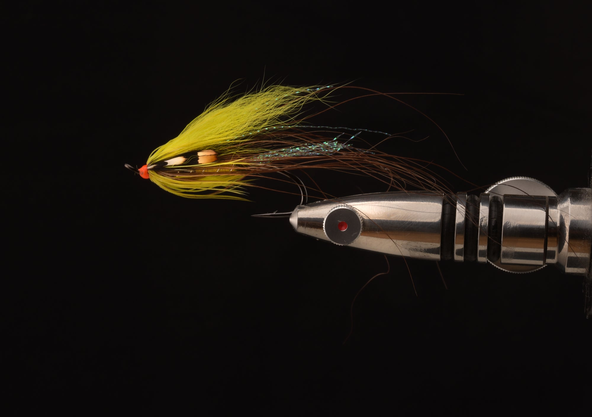 UV-colors in salmon flies