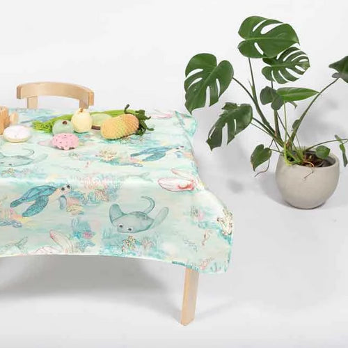 Marmalade Lion Lady Elliot Island Splat Mat and Toddler Table Cloth