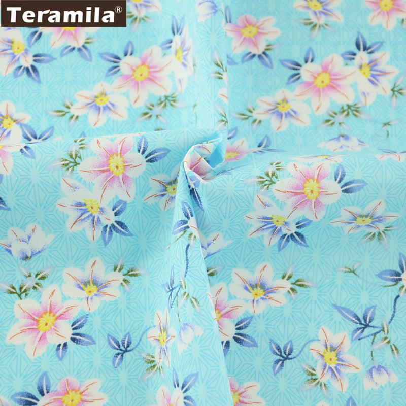 Cotton Poplin Fabric Lovely Floral Light Blue Dress Crafts Pillows Shirt Fat Quarter Meter Quilting