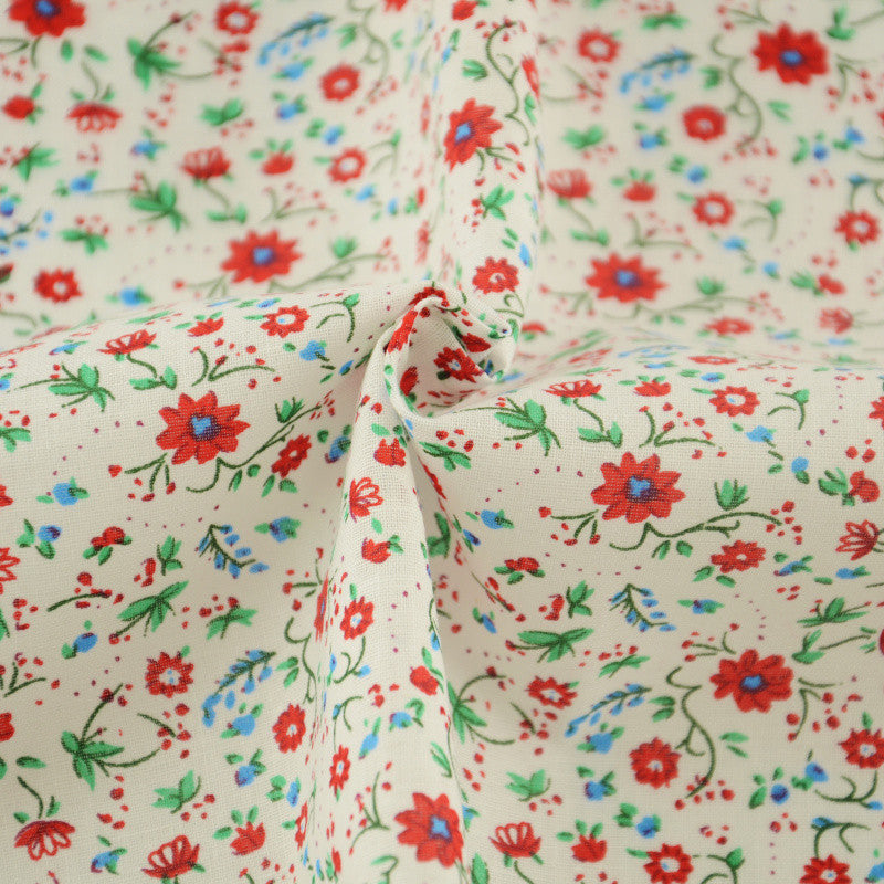 Red Flowers and Green Leaves Design 100% Cotton Plain Fabric Pre-cut Fat Quarter Patchwork