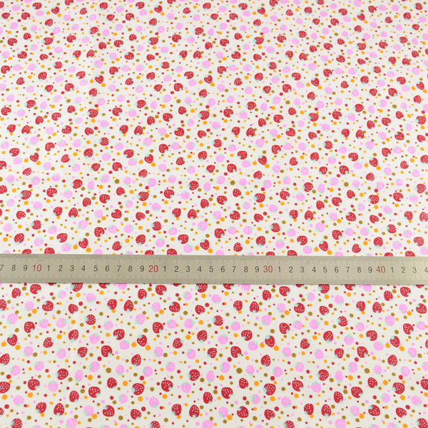 Lovely Red Fat Quarter Red Pink Strawberry Designs 100% Cotton Fabric Home Textile Art Work