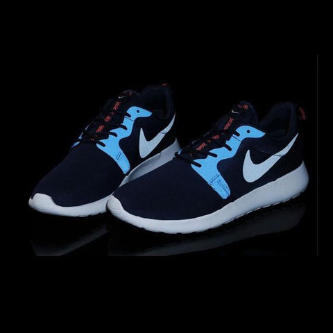 2fd9fe7493af0 In The Dark Nike Rosherun Hyperfuse Midnight Navy Light Men Shoes ...