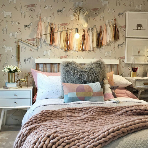 BLUSH PINK CHUNKY KNIT BLANKET