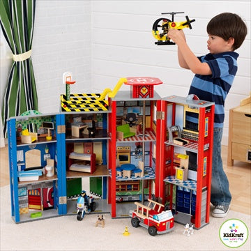 Lekesett - 'Everyday-Hero Fire Station Wooden Playset' - FRIFRAKT!
