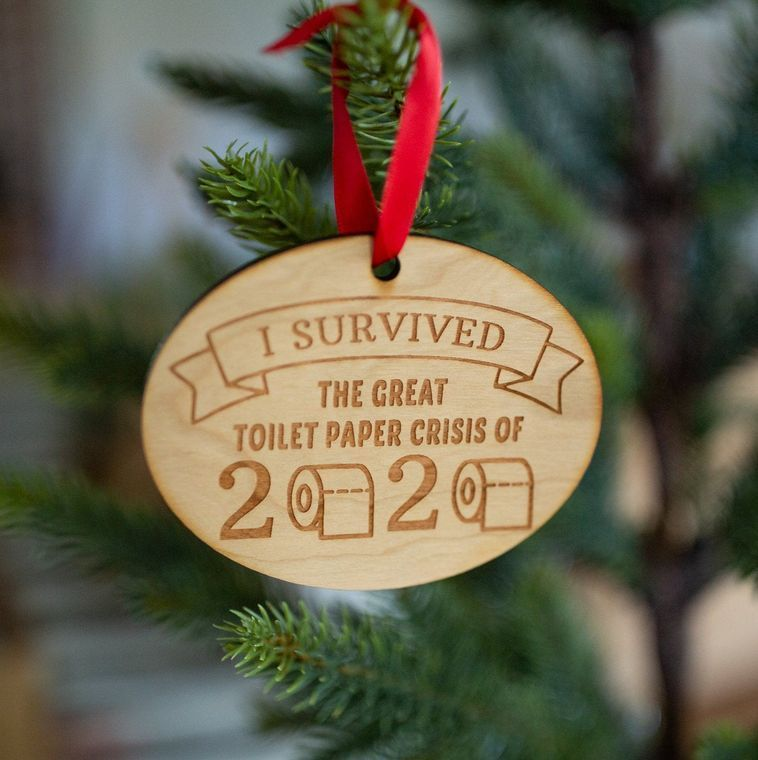I Survived The Great Toilet Paper Crisis Of 2020 - Engraved Wooden Christmas Ornament Charm, Funny Christmas Tree Decoration, 2020 Ornament