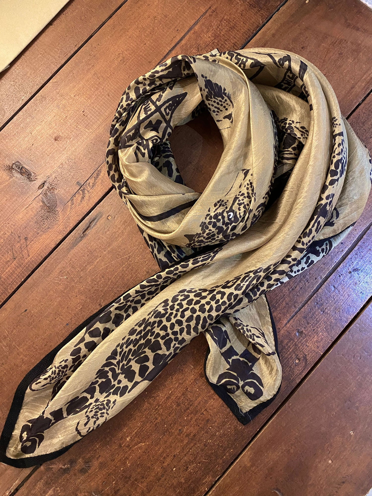 Silk Scarf -The leopard and the king