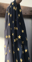 Star patterned midweight scarf