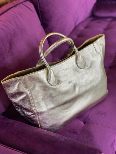 9 to 5 Metallic Silver handbag by Beck Bags in Large