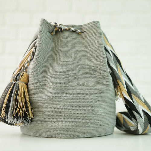 Classic Unicolor Capote Handmade Colombian Wayuu Bag - Basics and Organics