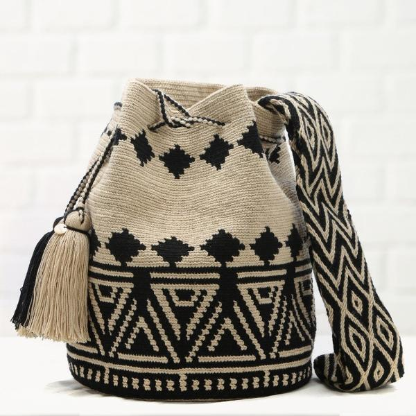 Chila handmade Pobaldo Bag in Black