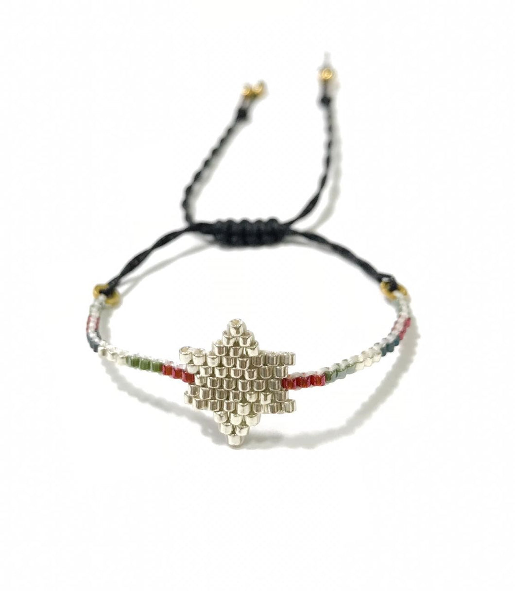 Vera Chaang Single Star Handmade  Bracelet