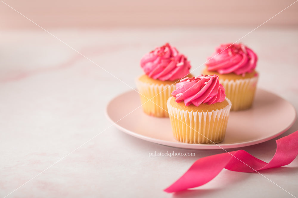 Valentine's Day Pink Cupcakes