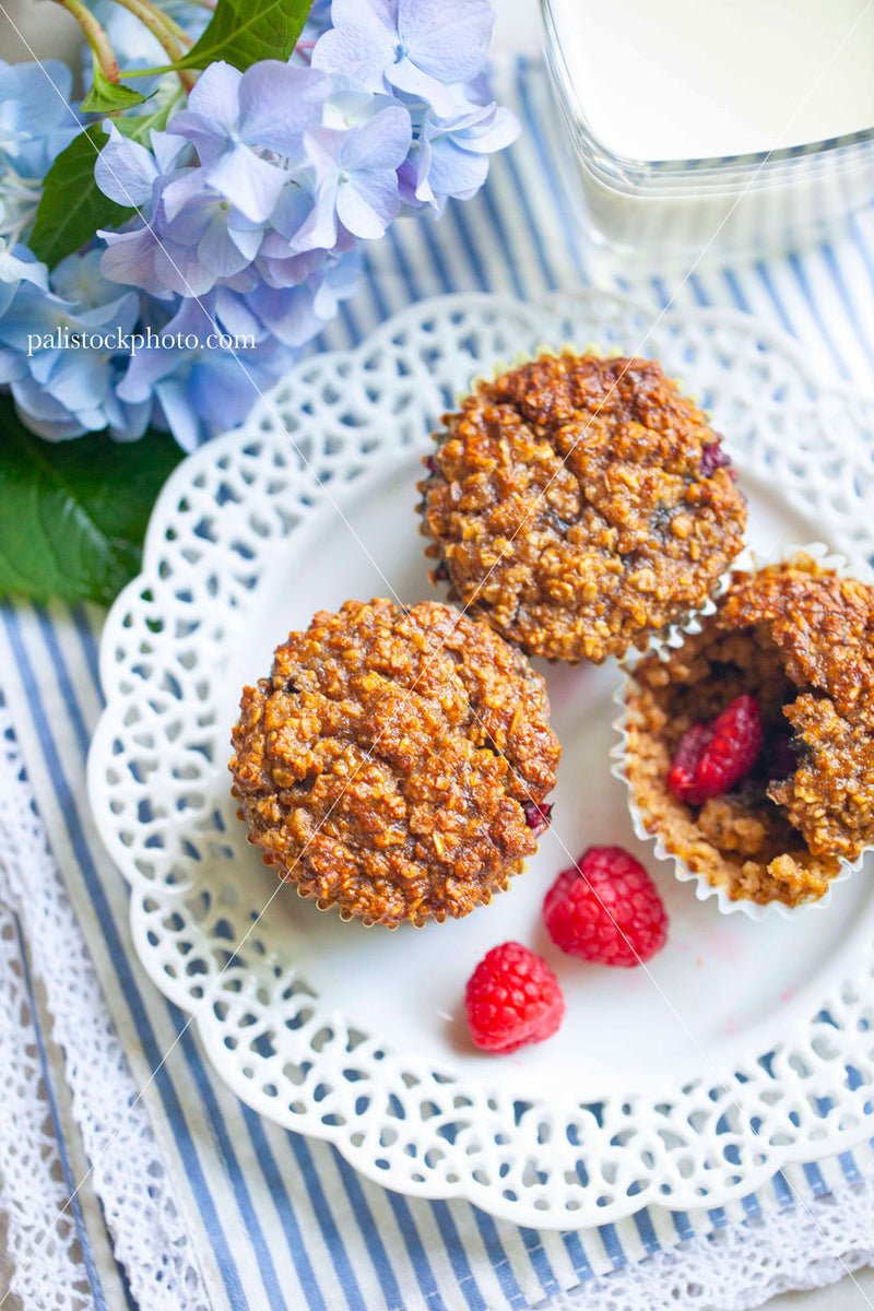 Oatmeal muffins and raspberries