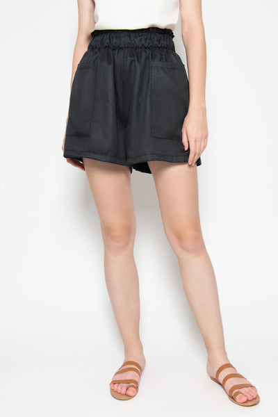 Luna Short in Black