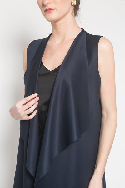 Elle Vest in Navy