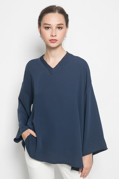Ula Top in Navy