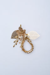 Oby Leaf Brooch in Gold