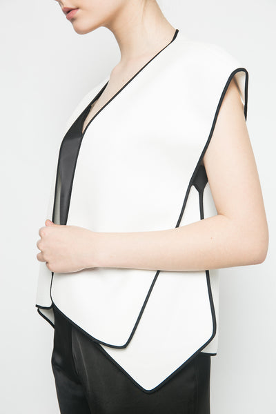 Kaku Vest in White
