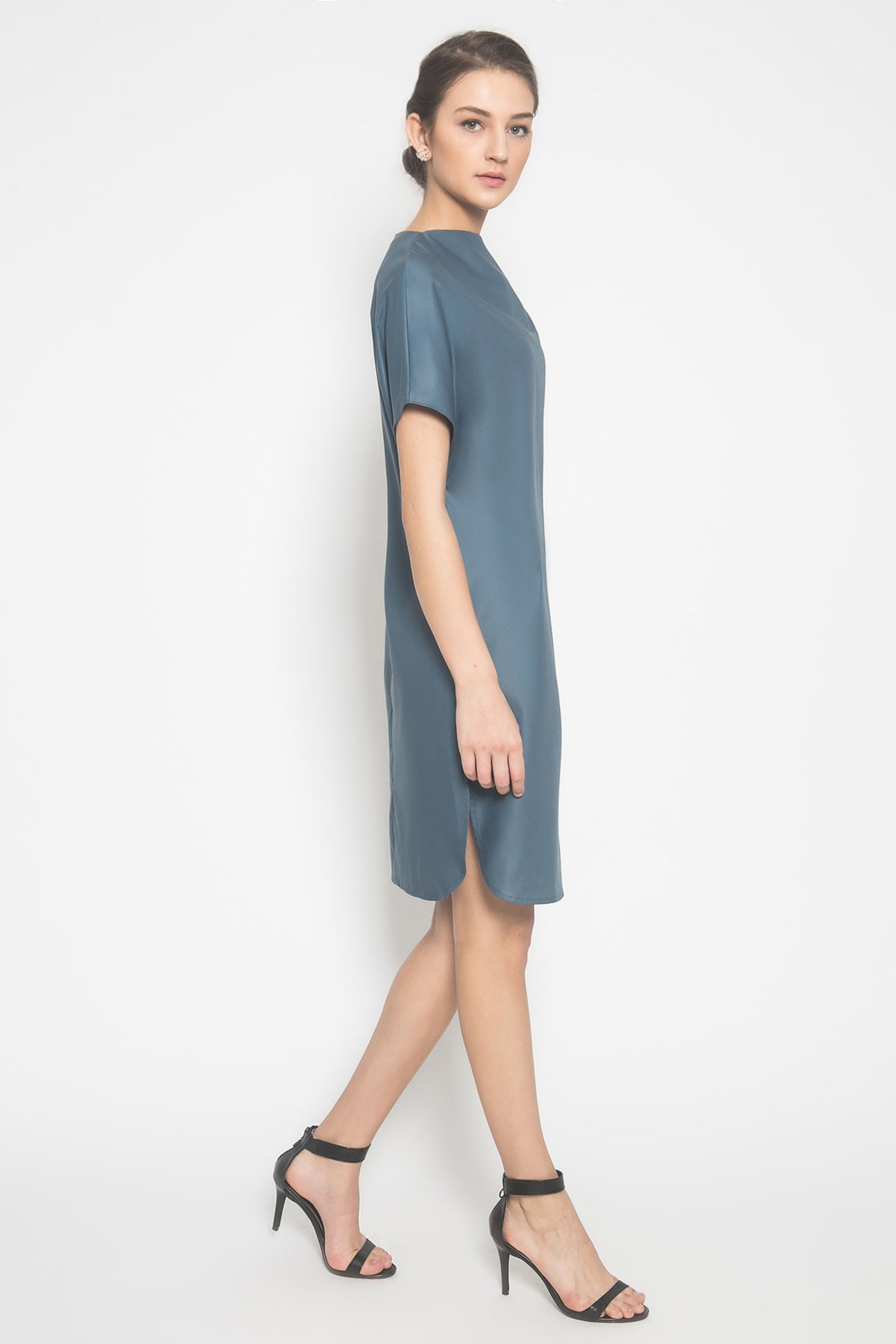 Haze Circle Cut Dress in Teal