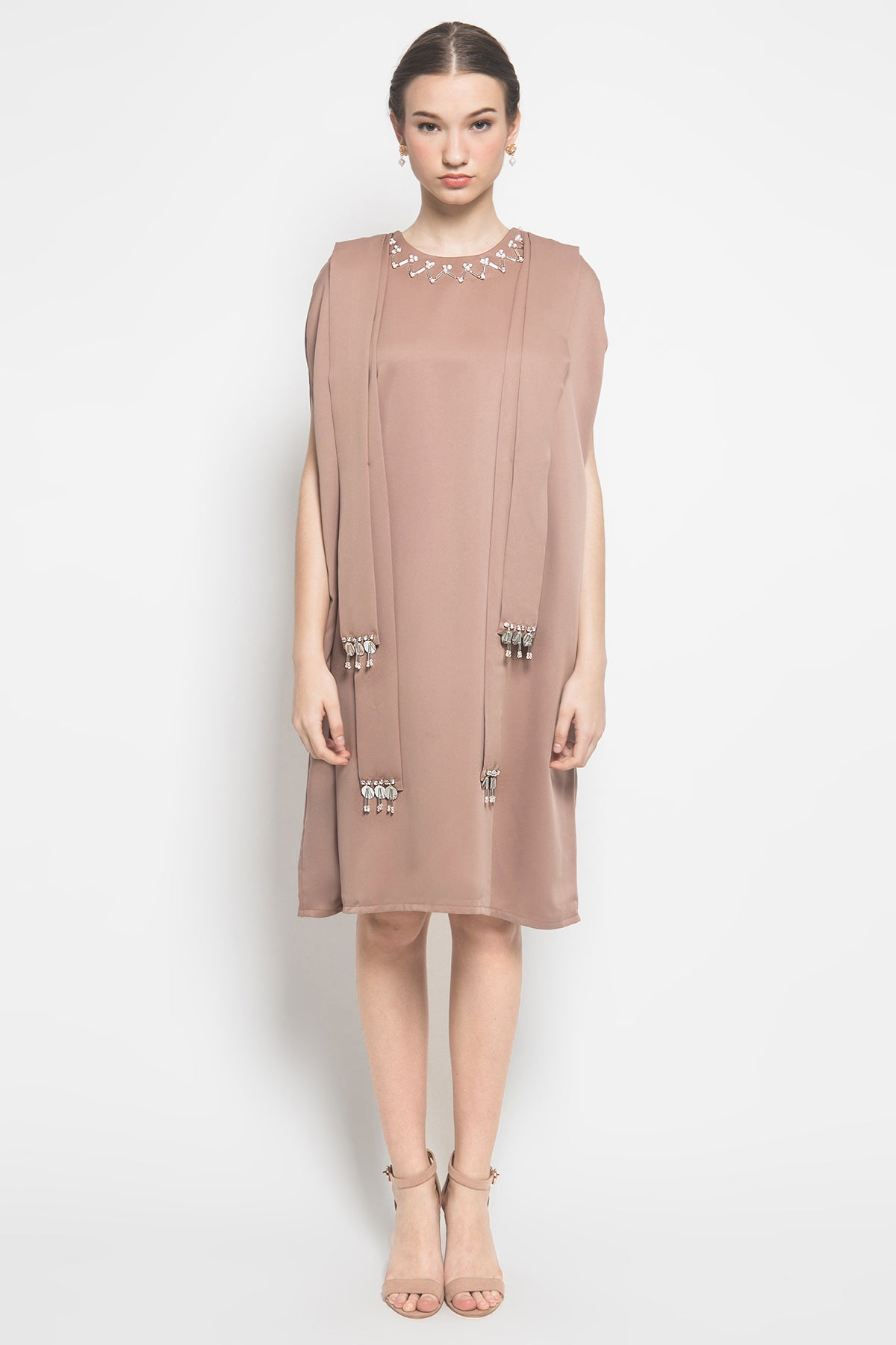 Esmé Giselle Dress in Taupe