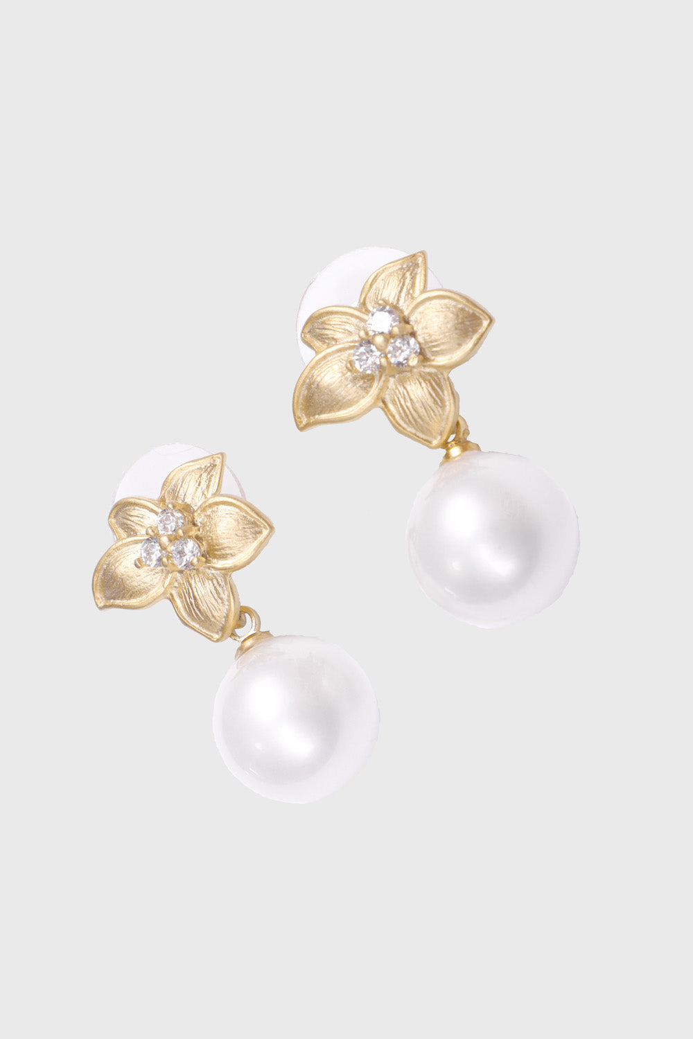 Vasella Leanna Earrings in White